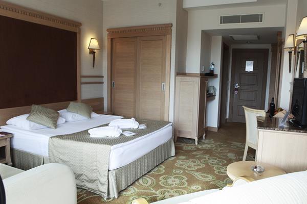 https://aventur.ro/assets/media/imagini_hoteluri/LKFAME/LKFAME-HotelPict10-13180.jpg