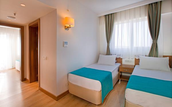 https://aventur.ro/assets/media/imagini_hoteluri/LKGRPA/LKGRPA-HotelPict12-16155.jpg