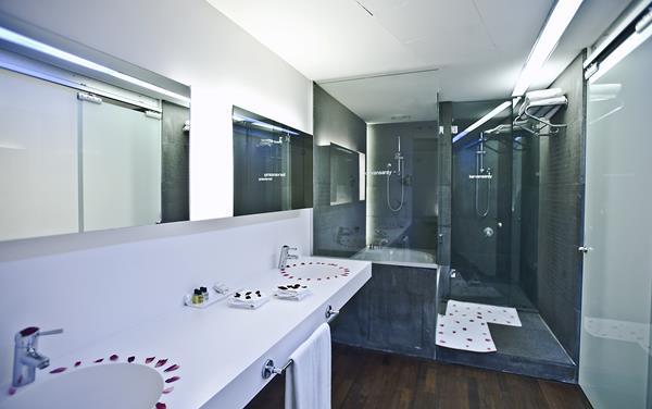 https://aventur.ro/assets/media/imagini_hoteluri/LKKERL/LKKERL-HotelPict10-15747.jpg