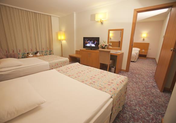 https://aventur.ro/assets/media/imagini_hoteluri/LKMIRA/LKMIRA-HotelPict11-13122.jpg