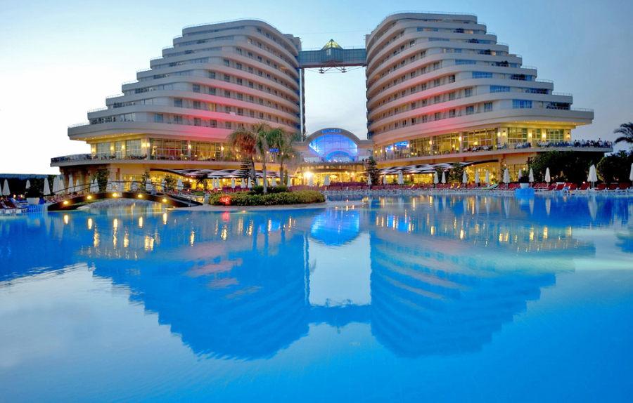 https://aventur.ro/assets/media/imagini_hoteluri/LKMIRA/Lara_Miracle_Resort_12.jpg