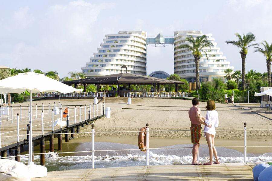 https://aventur.ro/assets/media/imagini_hoteluri/LKMIRA/Lara_Miracle_Resort_2.jpg
