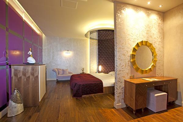 https://aventur.ro/assets/media/imagini_hoteluri/LKROHO/LKROHO-HotelPict8-13094.jpg