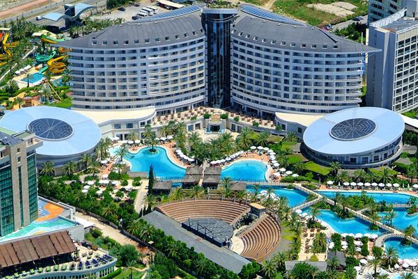 https://aventur.ro/assets/media/imagini_hoteluri/LKROWI/LKROWI-HotelPict4-13078.jpg