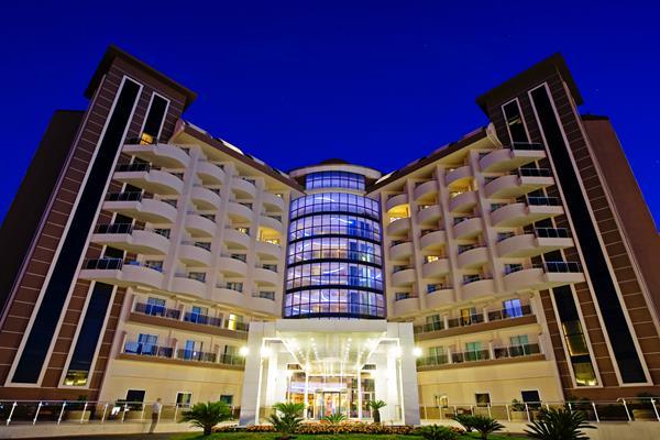 https://aventur.ro/assets/media/imagini_hoteluri/LKSATU/LKSATU-HotelPict1-13067.jpg