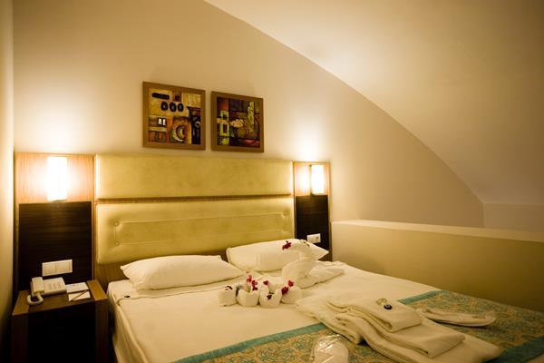https://aventur.ro/assets/media/imagini_hoteluri/LKSATU/LKSATU-HotelPict2-13068.jpg