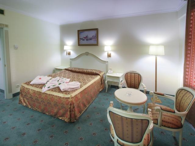 https://aventur.ro/assets/media/imagini_hoteluri/LKVENE/LKVENE-HotelPict3-6117.jpg