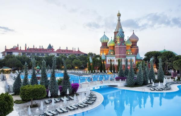 https://aventur.ro/assets/media/imagini_hoteluri/LKWOWK/LKWOWK-HotelPict1-13032.jpg