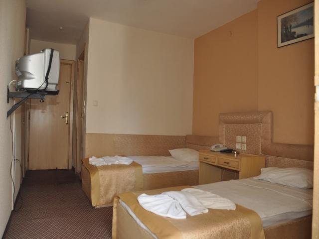 https://aventur.ro/assets/media/imagini_hoteluri/MAAGEA/MAAGEA-HotelPict2-3103.jpg