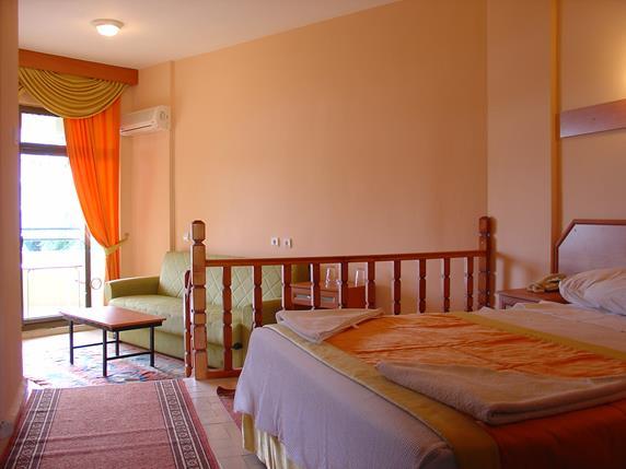 https://aventur.ro/assets/media/imagini_hoteluri/MAAMOS/MAAMOS-HotelPict5-18498.jpg