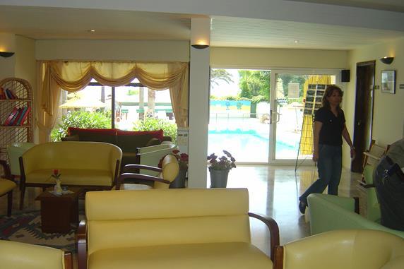 https://aventur.ro/assets/media/imagini_hoteluri/MAAMOS/MAAMOS-HotelPict6-18499.jpg