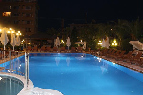 https://aventur.ro/assets/media/imagini_hoteluri/MAANEM/MAANEM-HotelPict11-13355.jpg