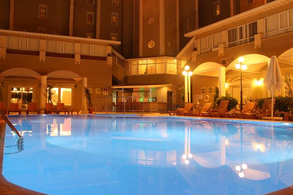 https://aventur.ro/assets/media/imagini_hoteluri/MAANEM/MAANEM-HotelPict12-13356.jpg