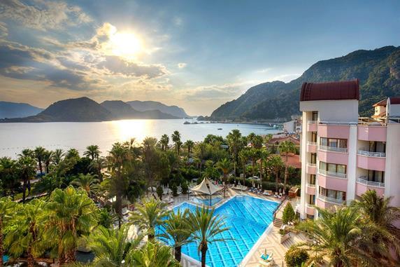 https://aventur.ro/assets/media/imagini_hoteluri/MAAQUA/MAAQUA-HotelPict8-18509.jpg
