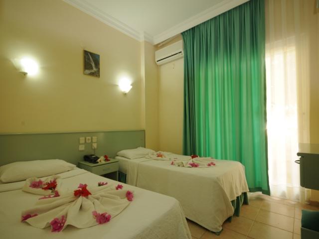 https://aventur.ro/assets/media/imagini_hoteluri/MABANA/MABANA-HotelPict2-3185.jpg