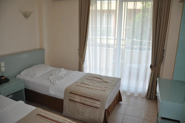 https://aventur.ro/assets/media/imagini_hoteluri/MABANA/MABANA-HotelPict8-13376.jpg