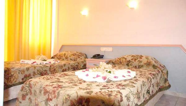 https://aventur.ro/assets/media/imagini_hoteluri/MACEYL/MACEYL-HotelPict14-13442.jpg