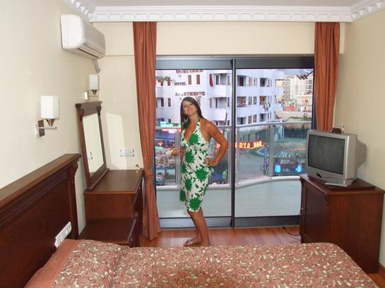 https://aventur.ro/assets/media/imagini_hoteluri/MACIHA/MACIHA-HotelPict14-13451.jpg