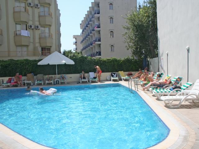 https://aventur.ro/assets/media/imagini_hoteluri/MACIHA/MACIHA-HotelPict7-3268.jpg