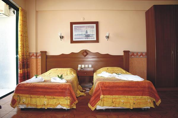 https://aventur.ro/assets/media/imagini_hoteluri/MACLAS/MACLAS-HotelPict3-13455.jpg