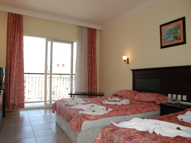 https://aventur.ro/assets/media/imagini_hoteluri/MADORA/MADORA-HotelPict2-3316.jpg