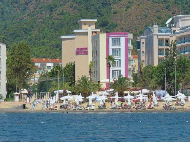 https://aventur.ro/assets/media/imagini_hoteluri/MADRBE/MADRBE-HotelPict1-7012.jpg