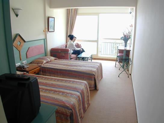 https://aventur.ro/assets/media/imagini_hoteluri/MAFLAH/MAFLAH-HotelPict5-13520.jpg