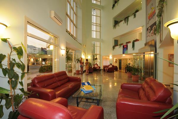 https://aventur.ro/assets/media/imagini_hoteluri/MAFLAH/MAFLAH-HotelPict9-13524.jpg