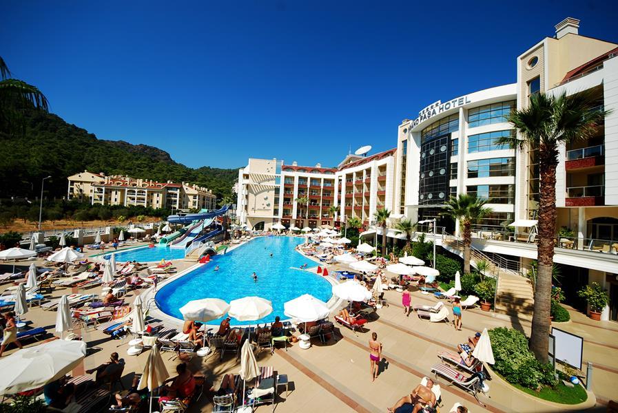 https://aventur.ro/assets/media/imagini_hoteluri/MAGRAN/MAGRAN-HotelPict1-21817.jpg