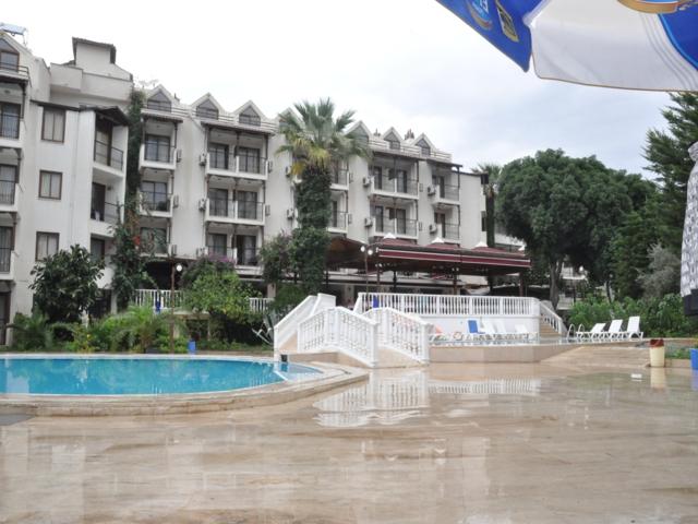https://aventur.ro/assets/media/imagini_hoteluri/MAHAL1/MAHAL1-HotelPict1-3428.jpg