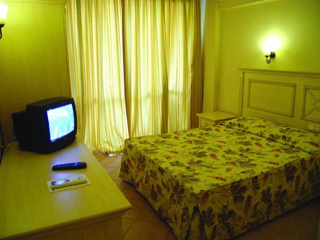 https://aventur.ro/assets/media/imagini_hoteluri/MAINTE/MAINTE-HotelPict2-3501.jpg