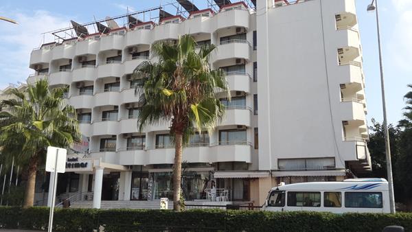 https://aventur.ro/assets/media/imagini_hoteluri/MAINTE/MAINTE-HotelPict8-13614.jpg