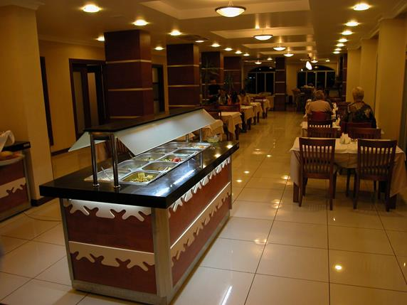 https://aventur.ro/assets/media/imagini_hoteluri/MAKAR/MAKAR-HotelPict10-19323.jpg