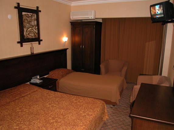 https://aventur.ro/assets/media/imagini_hoteluri/MAKAR/MAKAR-HotelPict3-19316.jpg