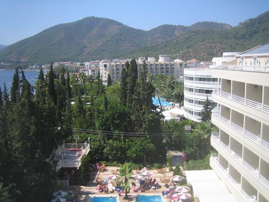 https://aventur.ro/assets/media/imagini_hoteluri/MAKAYA/MAKAYA-HotelPict1-13675.jpg