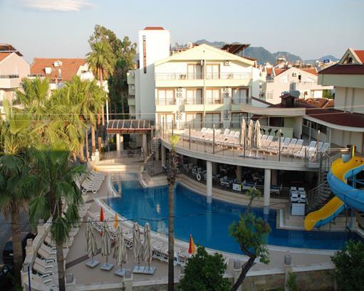 https://aventur.ro/assets/media/imagini_hoteluri/MALABE/MALABE-HotelPict1-16079.jpg
