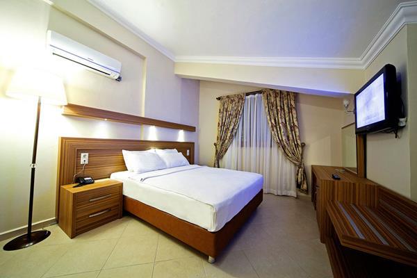 https://aventur.ro/assets/media/imagini_hoteluri/MALABE/MALABE-HotelPict10-16088.jpg