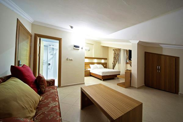 https://aventur.ro/assets/media/imagini_hoteluri/MALABE/MALABE-HotelPict11-16089.jpg