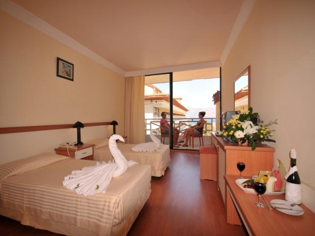 https://aventur.ro/assets/media/imagini_hoteluri/MALETO/MALETO-HotelPict3-3554.jpg