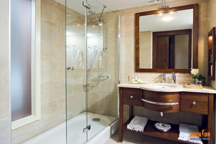 https://aventur.ro/assets/media/imagini_hoteluri/MAMART/Marmaris_Icmeler_Marti_Resort_2.jpg