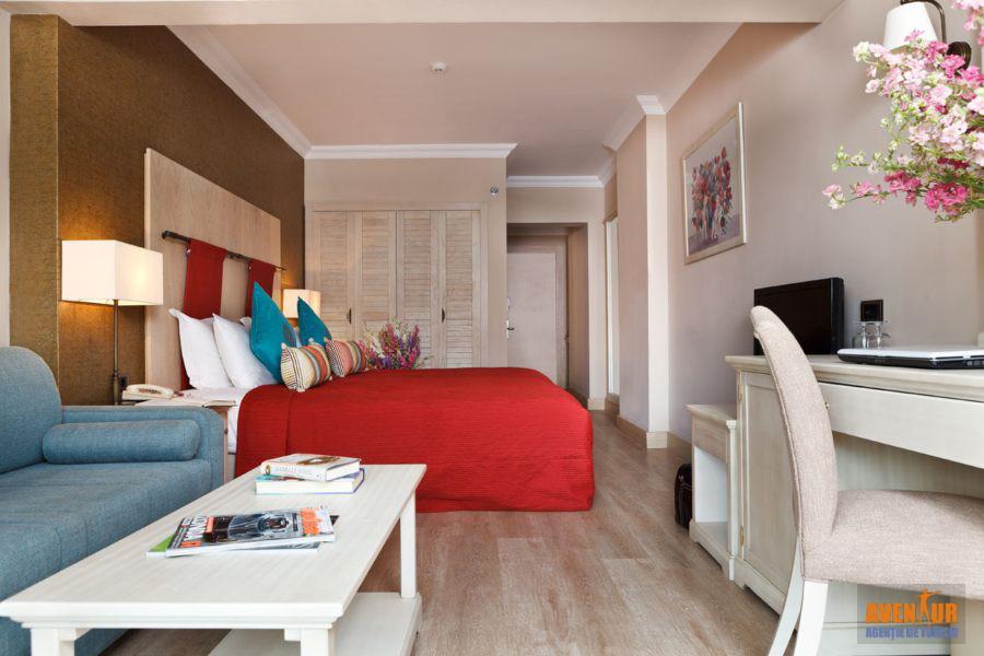https://aventur.ro/assets/media/imagini_hoteluri/MAMART/Marmaris_Icmeler_Marti_Resort_3.jpg