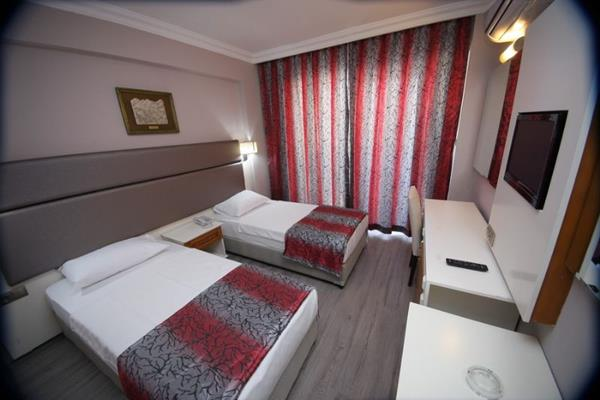 https://aventur.ro/assets/media/imagini_hoteluri/MAMEHF/MAMEHF-HotelPict3-13830.jpg