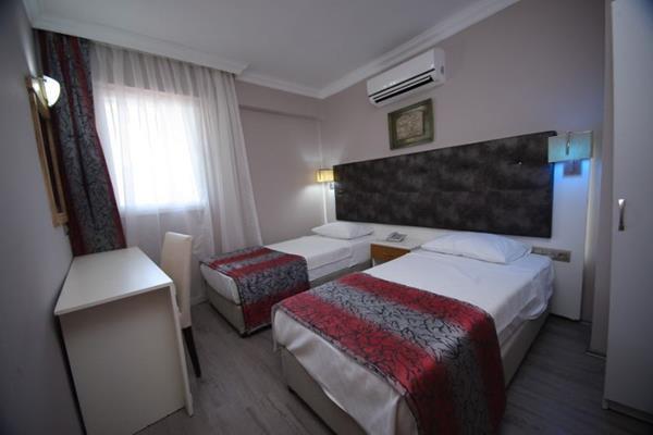https://aventur.ro/assets/media/imagini_hoteluri/MAMEHF/MAMEHF-HotelPict4-13831.jpg
