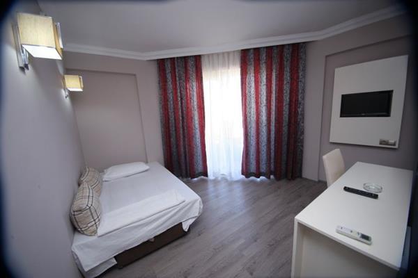 https://aventur.ro/assets/media/imagini_hoteluri/MAMEHF/MAMEHF-HotelPict6-13833.jpg