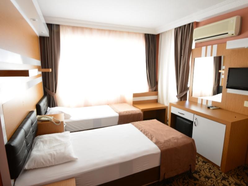 https://aventur.ro/assets/media/imagini_hoteluri/MAMONT/MAMONT-HotelPict7-15645.jpg