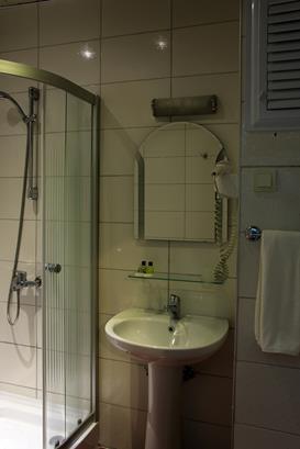 https://aventur.ro/assets/media/imagini_hoteluri/MASMAR/MASMAR-HotelPict8-15613.jpg