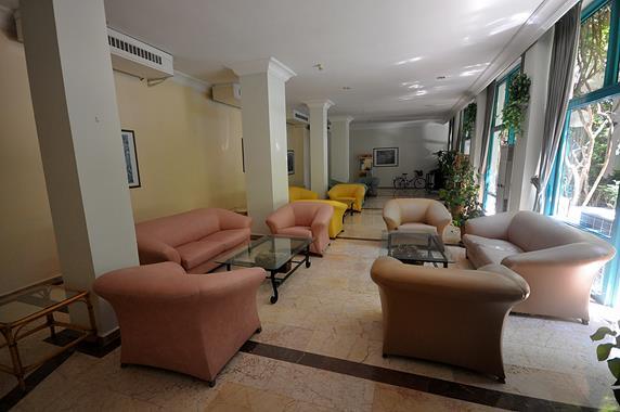 https://aventur.ro/assets/media/imagini_hoteluri/MATROP/MATROP-HotelPict5-19228.jpg