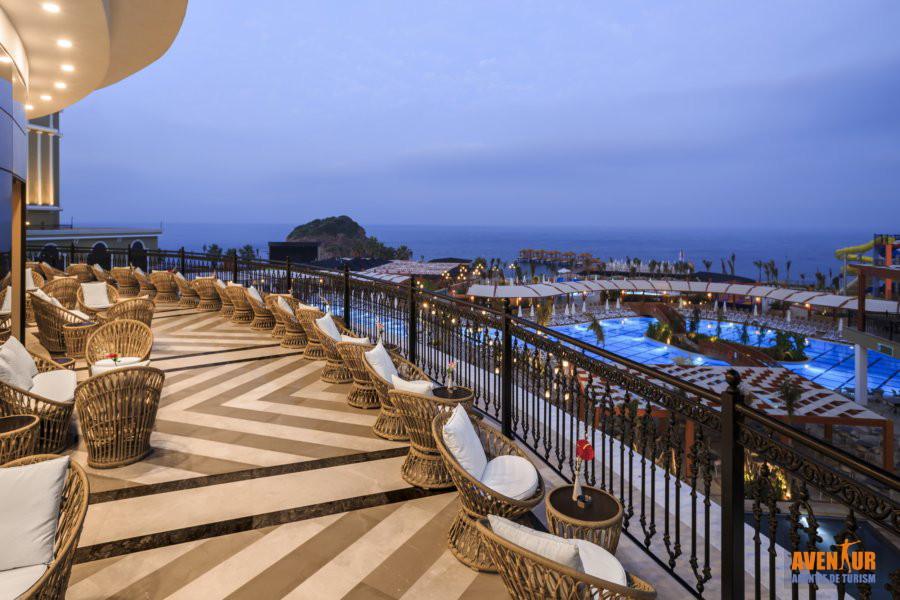 https://aventur.ro/assets/media/imagini_hoteluri/OZEFES/Ozdere_Sunis_Efes_Royal_Palace.jpg