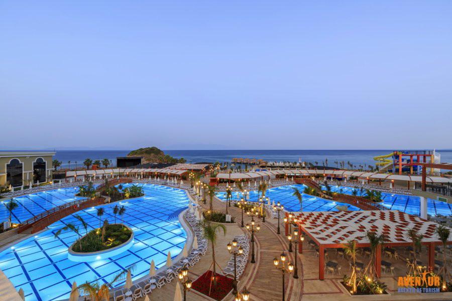 https://aventur.ro/assets/media/imagini_hoteluri/OZEFES/Ozdere_Sunis_Efes_Royal_Palace_2.jpg