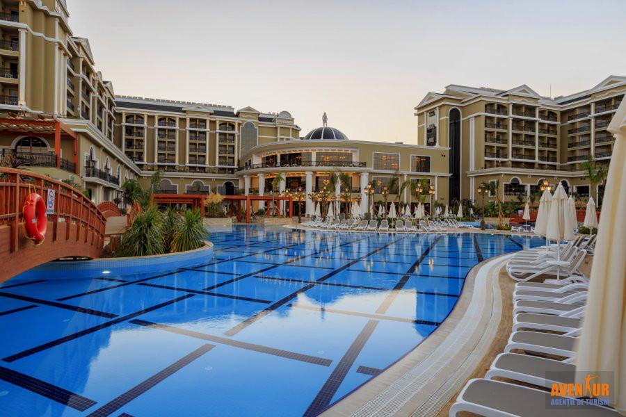 https://aventur.ro/assets/media/imagini_hoteluri/OZEFES/Ozdere_Sunis_Efes_Royal_Palace_3.jpg